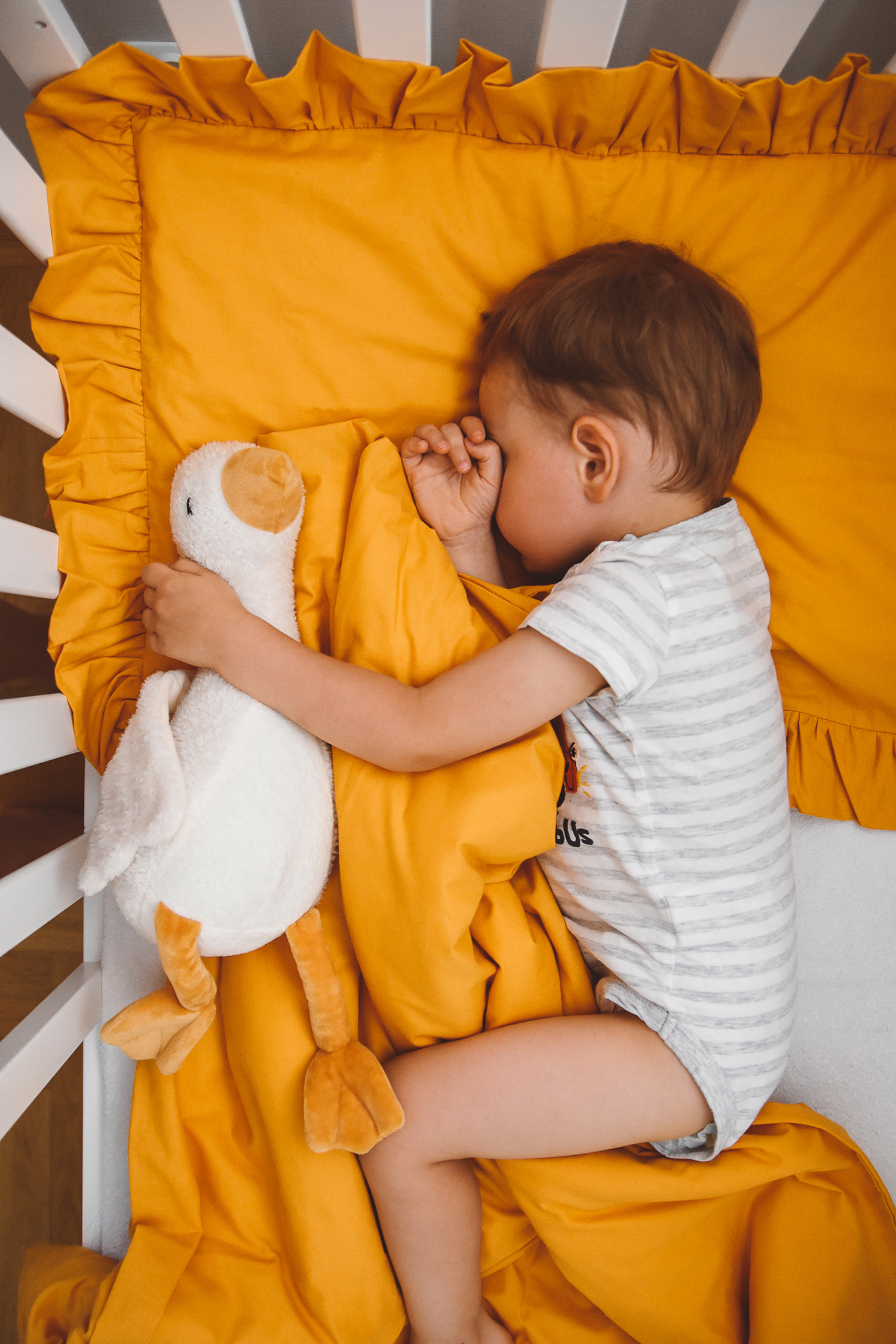 posciel dla dzieci niemowlat musztardowa bawelniana z falbanka