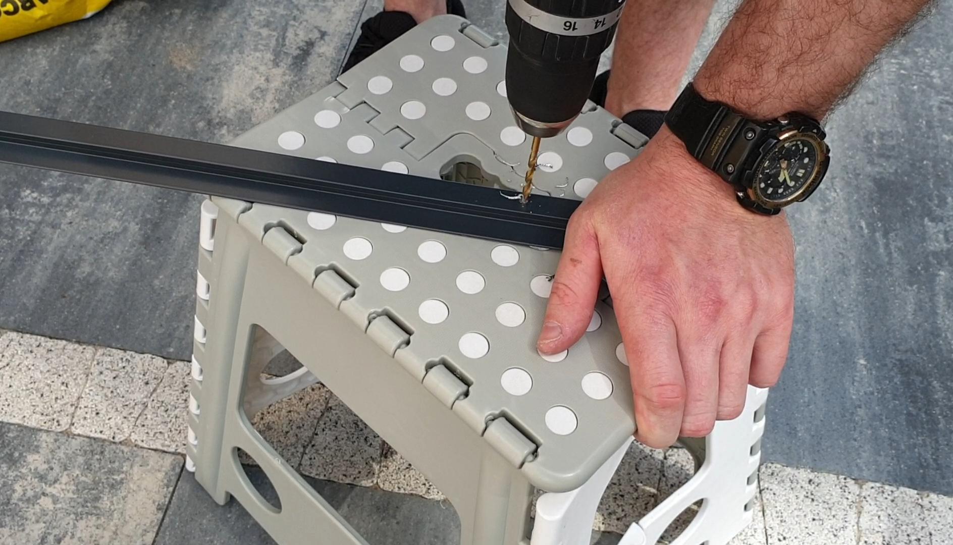 montaż moskitiery przesuwnej